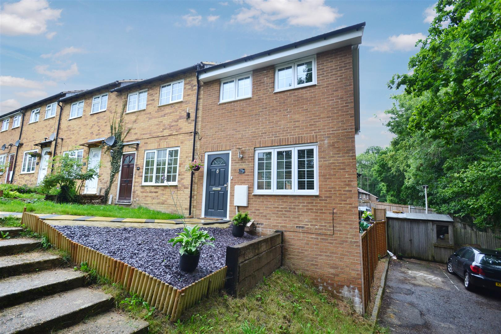 1 Bedroom Property for sale in Estcots Drive, East Grinstead